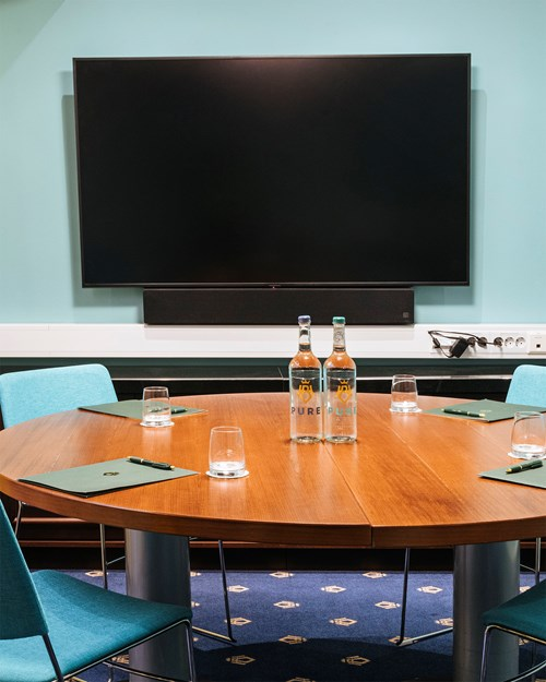 Meeting room for 4 persons