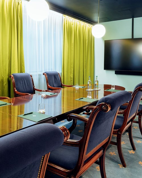 Meeting room for 14 persons