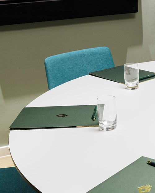 Meeting room for 6 persons