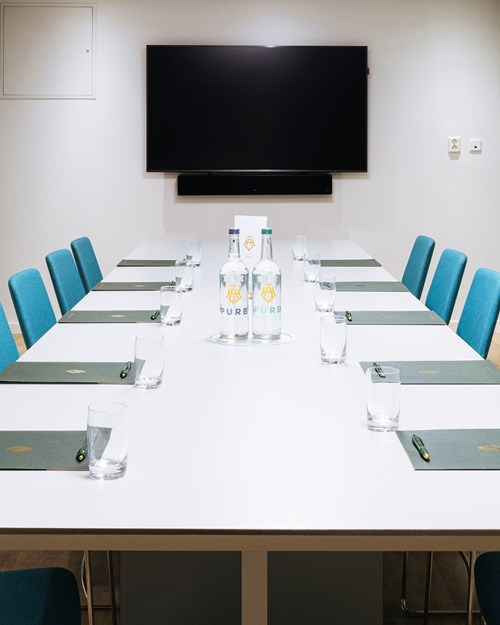 Meeting room for 15 persons